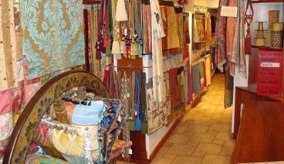 Tessuti d 39 arte e tendaggi padova centro padova for Tessuti per arredamento padova